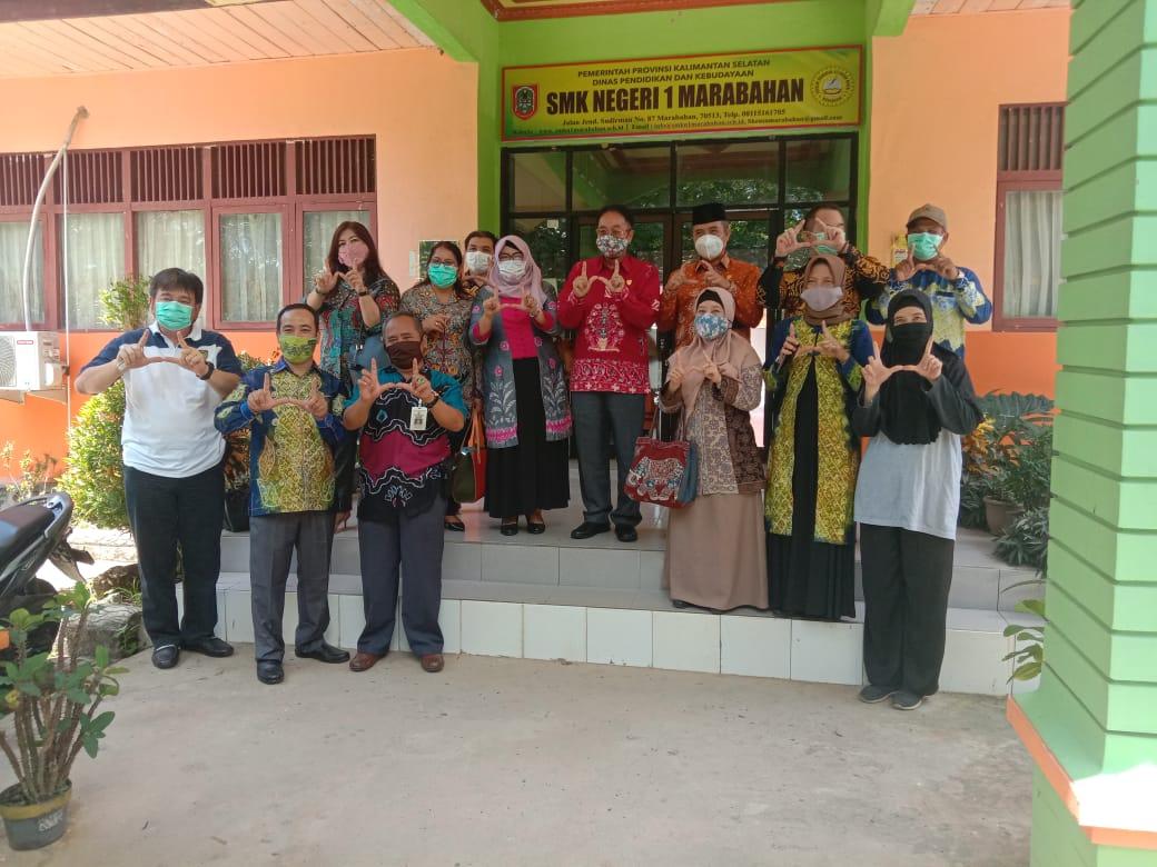 Kunjungan Kerja Komisi III DPRD Kalimantan Tengah di SMKN 1 Marabahan